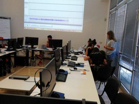 Laboratorio STEAM: the radio is ON